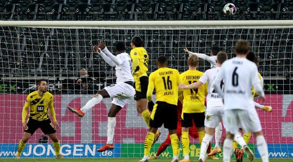 Dortmund lëshon vendin M'gladbachut