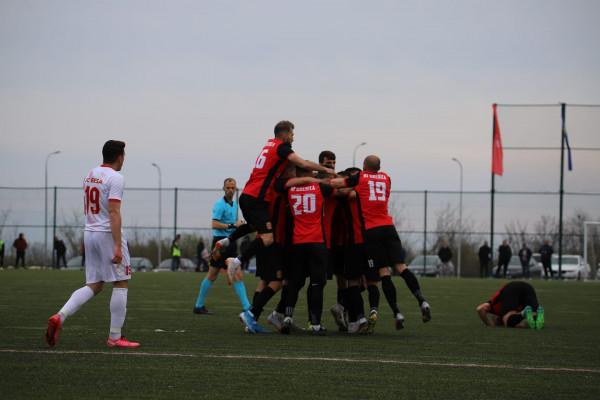 Dy gola nga Kreshnik Uka, Drenica kthehet me pikë të plota