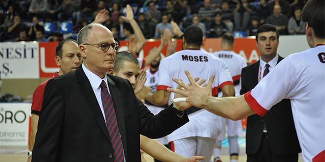 Trajneri amerikan në krye të përfaqësueses së Kosovës