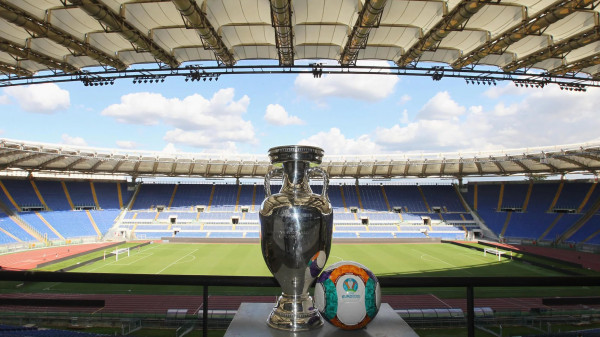 UEFA konfirmon prezencën e tifozëve në Romë për EURO 2020