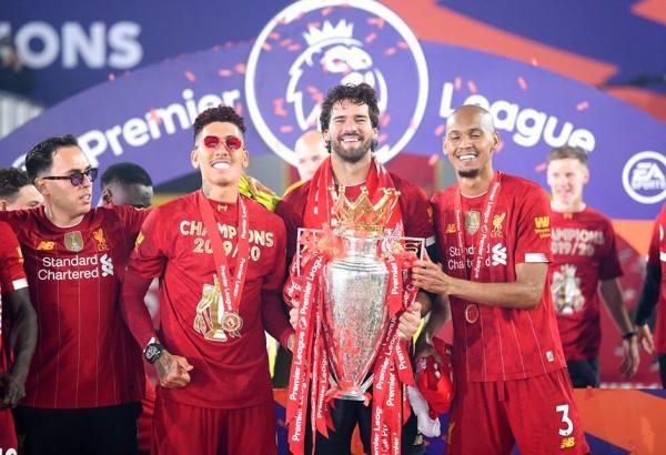 Ylli i Liverpoolit duke festuar, shtëpia i plaçkitet