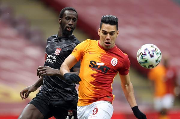 Falcao s'është më i Galatasarayit
