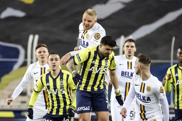 Fenerbahçe fiton me lehtësi ndaj Vocës e Çekiçit