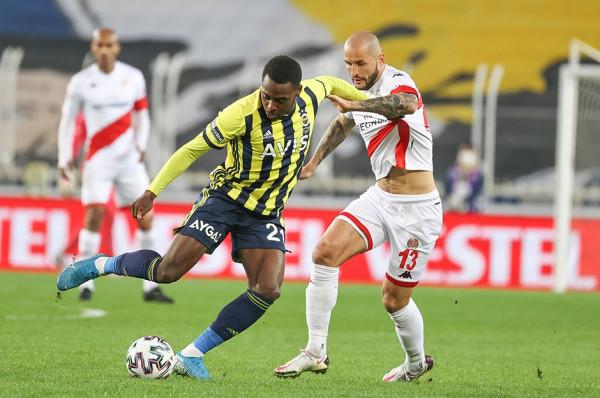 Valencia shpëton pikën e Fenerbahçes