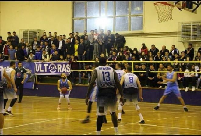 Lipjani fiton ndeshjen e parë në finale