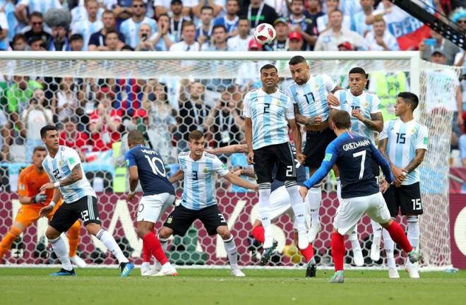 Mbappe show, Franca rrënon Argjentinën
