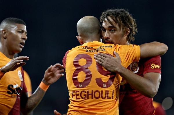 Galatasaray fiton me përmbysje