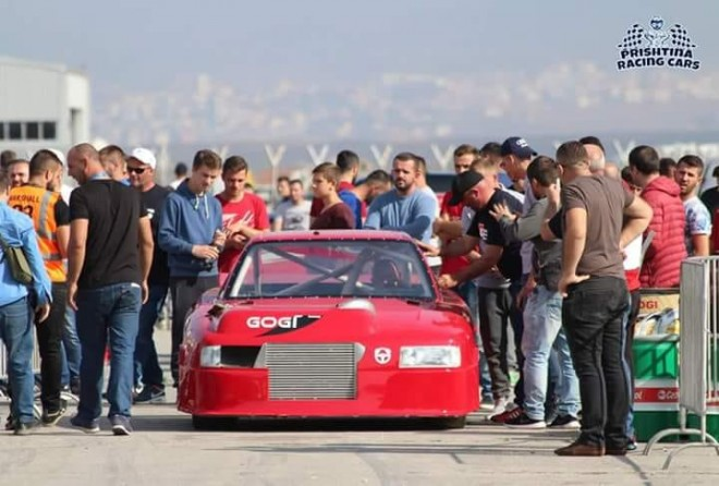 Potera fiton Drag Race-in