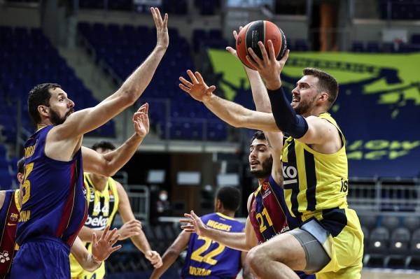 Barcelona triumfon ndaj Fenerbahçes