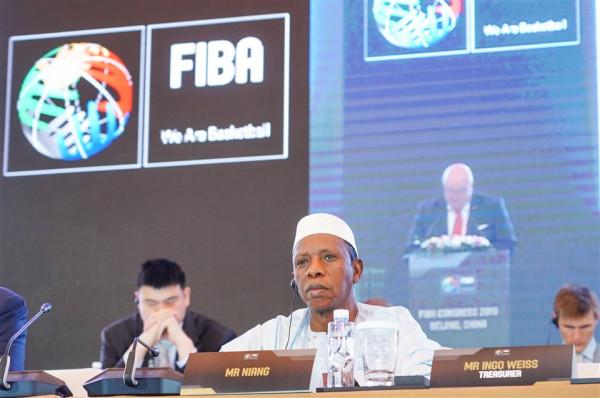 Hamane Niang zgjedhet presidenti i FIBA-së
