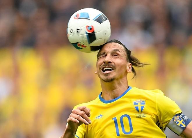 Ibra përgjigjet me stil për kthimin në futbollin evropian