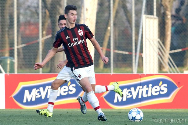 Talenti shqiptar në ekipin e parë të Milanit