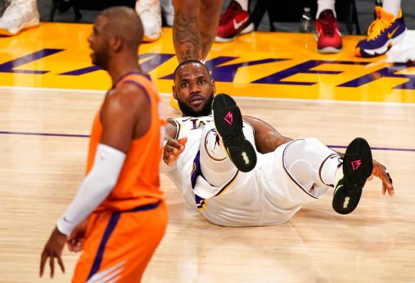 Lakers deklasohet nga Suns, kampioni afër eliminimit