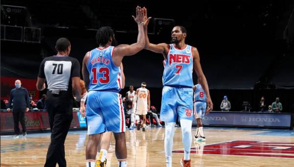 64 pikë nga dyshja Harden & Durant