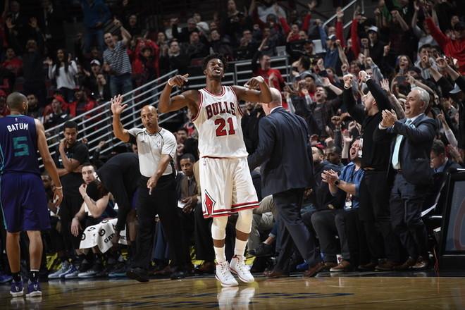 Butler 52 pikë në fitoren e Bullsave