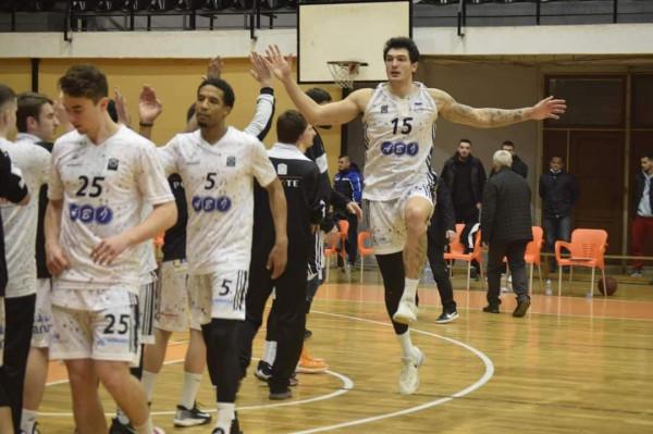 Prizreni siguron gjysmëfinalen, telashe te Prishtina