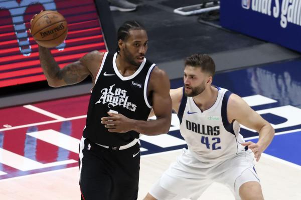 Gjithçka e barabartë në serinë Clippers - Mavs