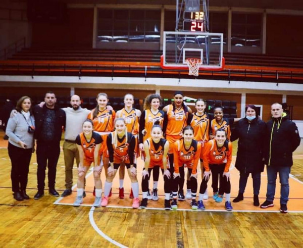 KBF Bashkimi largon basketbollisten amerikane