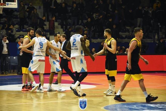 Prishtina fiton superderbin, epërsi e madhe për Playoff