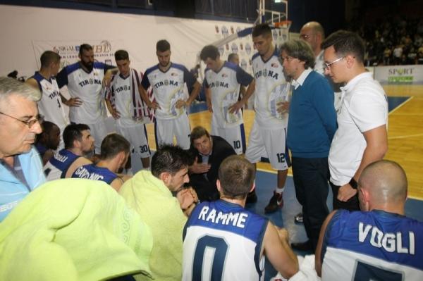 Tirana vazhdon me trajnerin e njejtë
