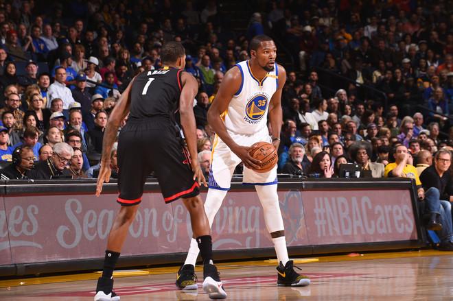 Warriors humb pas dy vazhdimeve