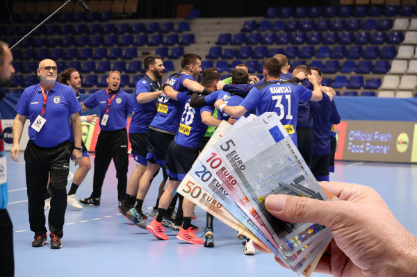 Federata shpërblen hendbollistët e Kosovës me para