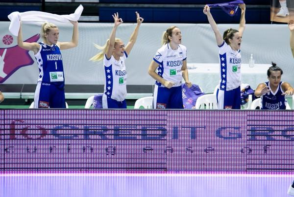 Vajzat luajnë për vend të tretë, Irlanda në finale