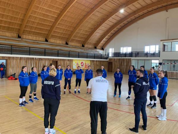 Kosova (F) zhvillon stërvitjen e parë
