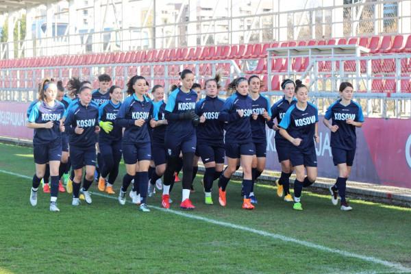 Vashat e përfaqësueses arrijnë në Shkup për dy ndeshjet miqësore