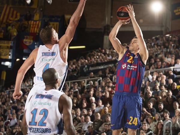 Barcelona mposht thellë Zenitin
