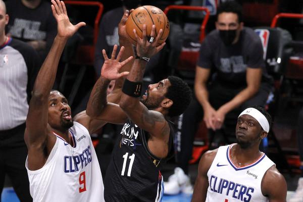 Irving i pakapshëm nga Clippers