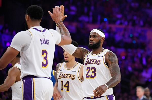 Spektakli në NBA fillon sonte