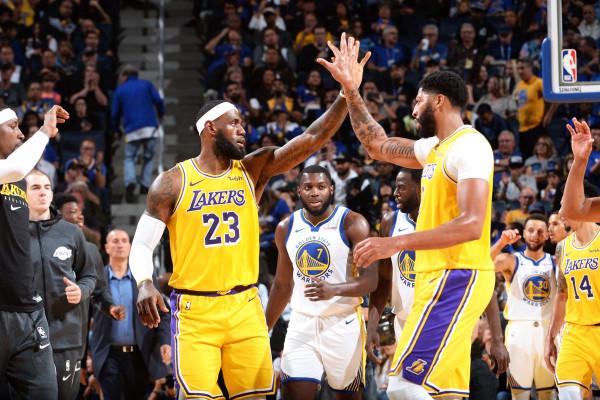 LBJ dhe AD për herë të parë pas Kobe&Shaq