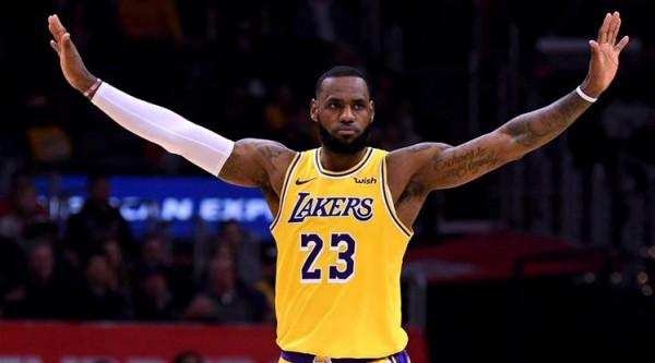 Jamesi i pesti në histori të NBA-së
