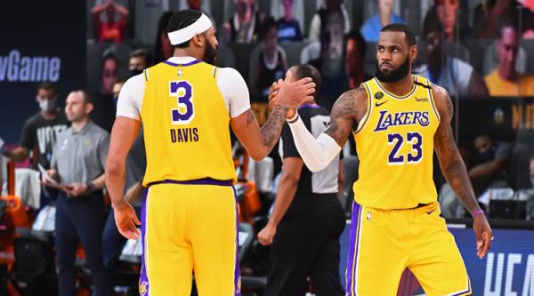 Lakers pranë finales së madhe