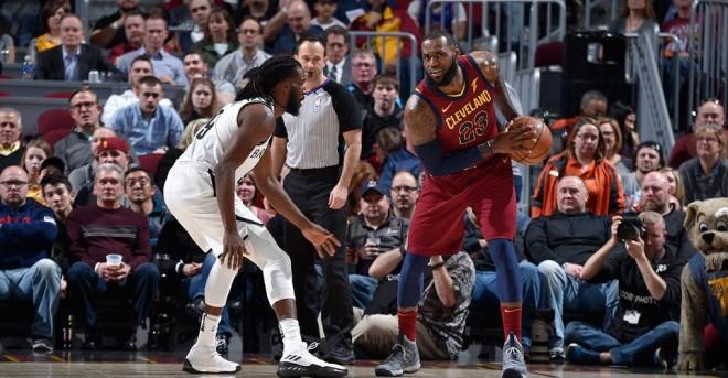 James i pari në histori të NBA-së