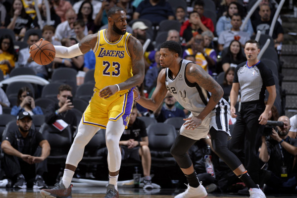 LeBron James kalon Dirk Nowitzkin