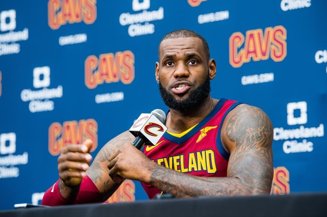 LeBron James flet për herë të parë për Irvingun