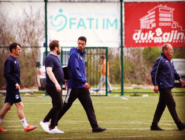 Trajneri i Besës i drejtohet publikut para ndeshjes së fundit
