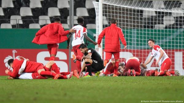 Ekipi i ligës rajonale eliminon Bayerin