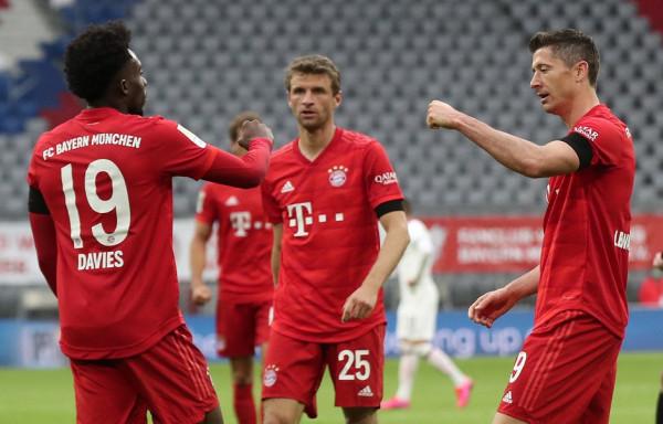 Bayerni thellon krizën e Frankfurtit, zgjëron serinë e fitoreve