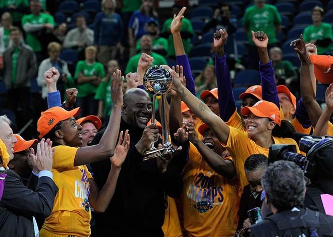 Los Angeles Sparks kampione në WNBA