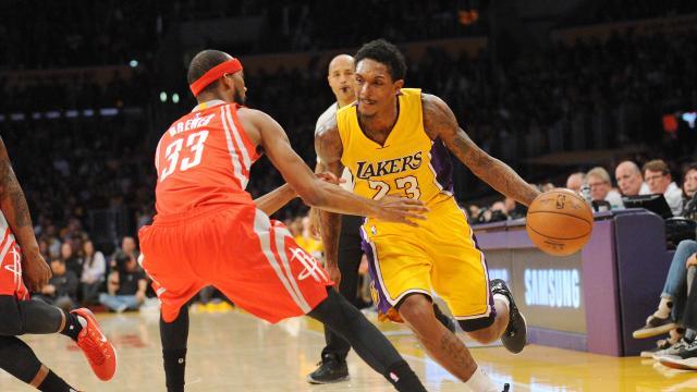 Lakers jep Williamsin për Brewerin