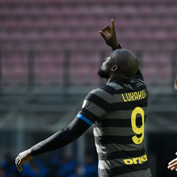 Inter 10 pikë larg kampionit