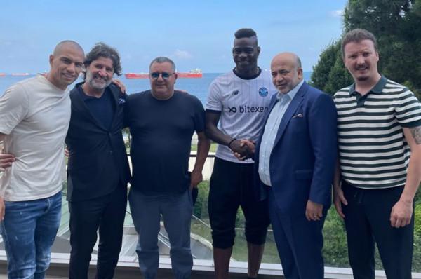Zyrtare: Balotelli në Superligën Turke