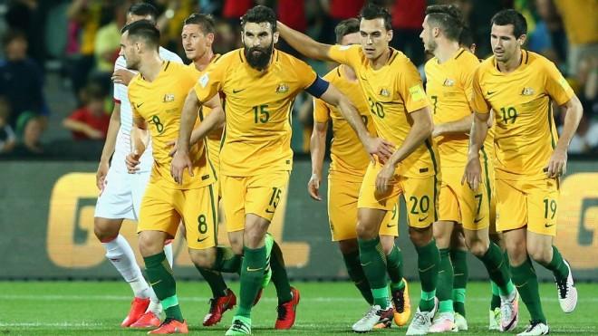 Jedinak me hat-trick, Australia kualifikohet