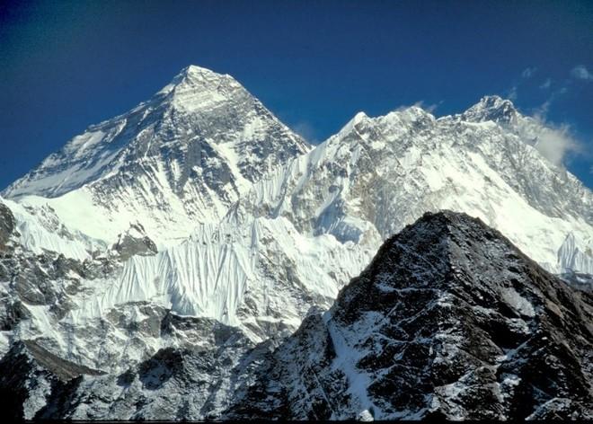 Alpinistët kosovarë arrijnë në Nepal