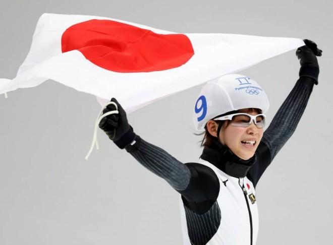 Japonia e Korea të arta në patinazh të shpejtë