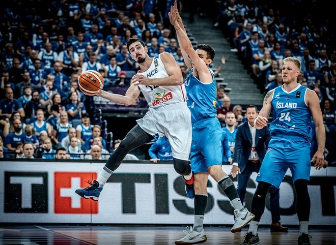 €2 milionë në humbje, kërkon ndërrim orari nga FIBA
