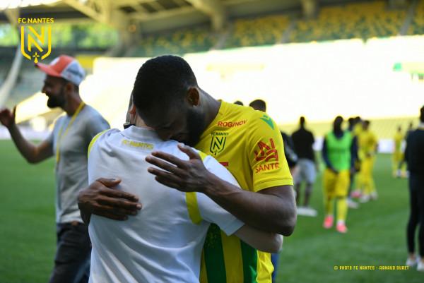 Nantes shpëton falë golave si mysafirë, mbetet në elitë